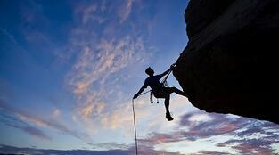 企业家的本质是创新 民企最缺的是挑战陈规的企业家