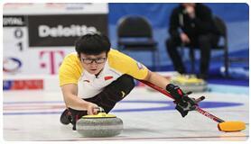 中国冰壶裁判员首登冬奥赛场
