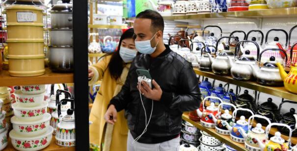 """""""世界超市""""义乌:外贸经济充满活力?"""